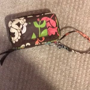Very cell phone wristlet